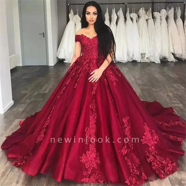 Luxury Off The Shoulder Lace Quinceanera Dresses Satin Lace Beaded Layered Ruffles Ball Gowns Sweep Train Prom Party Princess Dresses