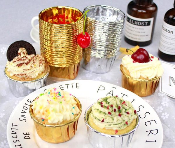 Pastel de papel Cup Cupcuchas Casos Papel de aluminio Oro Plata Muffin Copas Cocina Hornear Decoración del banquete de boda