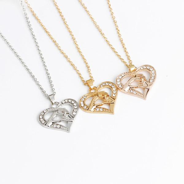 Mãe e filho de mãos dadas pingente de colar de presente para mãe filha irmã avó amigos jóias caixa de presente atacado colar de coração