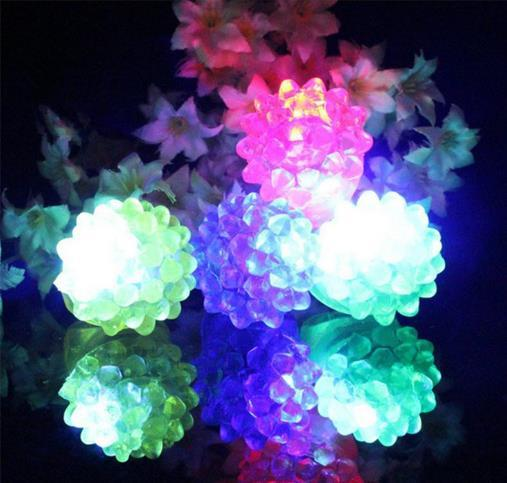 Wholesale Strawberry Glow Light Ring Torch LED Finger Lights Flash Beams Light Halloween Party LED Toys Wedding