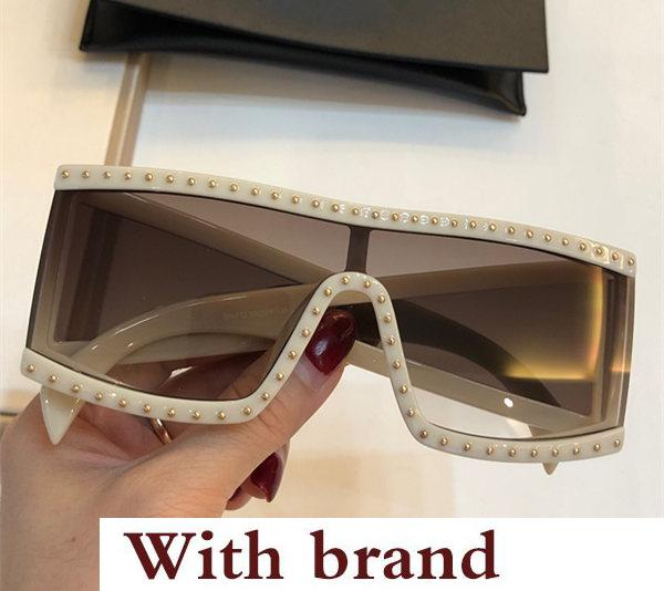 Nouveau style avant-gardiste de lunettes de soleil de style avantgarde avec les verres de diamant de qualité supérieure uv400