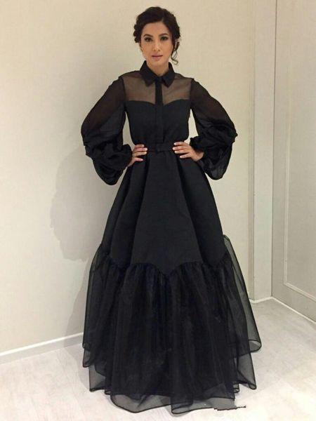 2019 New Black Celebrity Dresses inspiriert von der Bollywood Closet Sheer Ballkleid Poet Sleeves Satin Organza bodenlangen Abendkleider