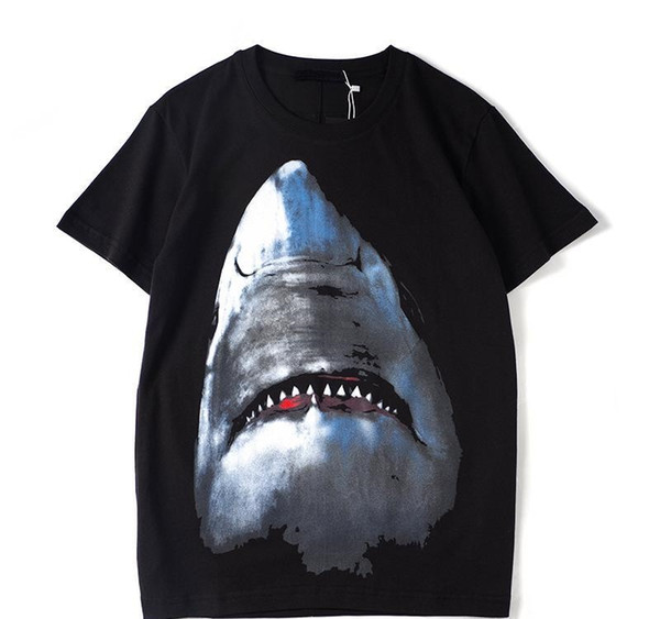 Luxe Mens Designer T Shirt Designer Casual manches courtes mode d'impression Shark haute qualité Hommes Femmes Hip HopXXLv