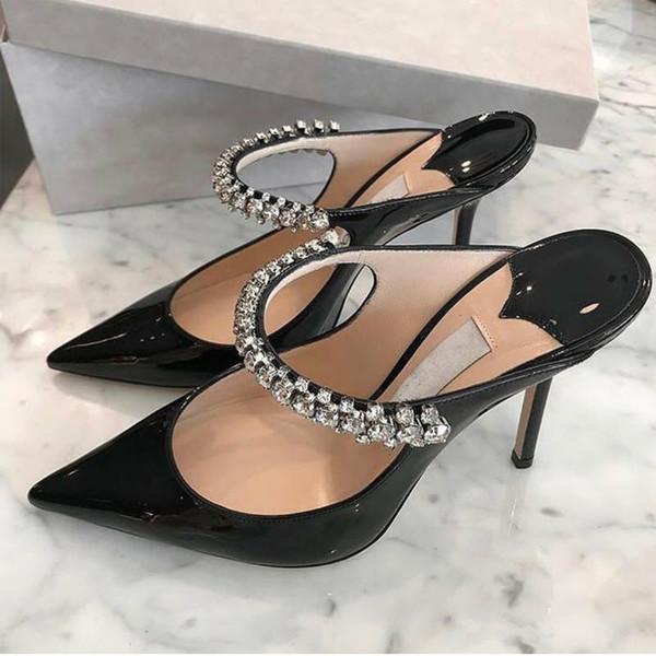 Novo estilo europeu e americano 2019 apontou diamante couro de laca com chinelos de sola plana Mulheres Xia Baotou Semi-chinelos Mull