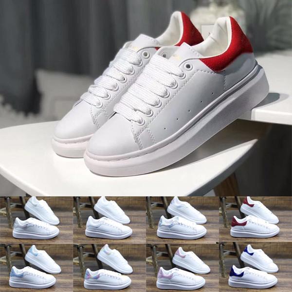 Femmes formateurs 2019 Designer De Luxe Hommes Femmes Sneakers Filles À Lacets UP Mode Chaussures En Cuir Rouge Plat Casual À La Mode Plate-Forme Chaussures Taille 35-43