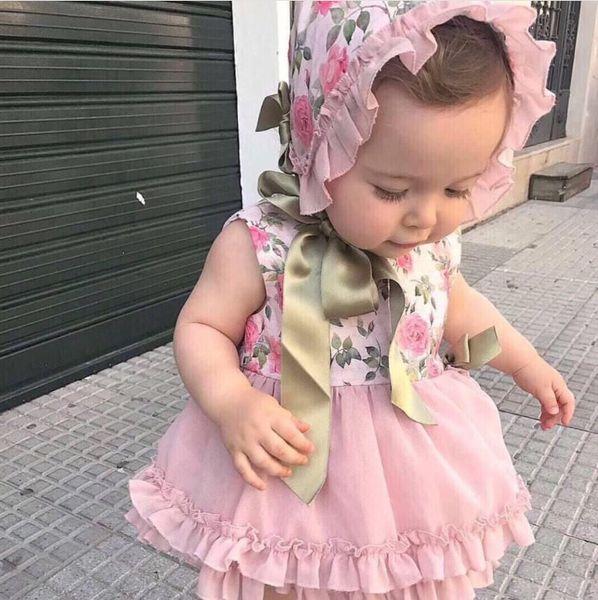 Estilo palácio meninas do bebê vestido de princesa crianças floral impresso splicing lace tulle dress + plissado fita lace-up Arcos chapéu + shorts 3 pcs conjuntos F2925