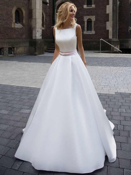 Simple and Cheap Satin Wedding Dresses Square Neck with Straps Ribbon Bows Backless Court Train Cheap Wedding Dress Bridal Gowns New