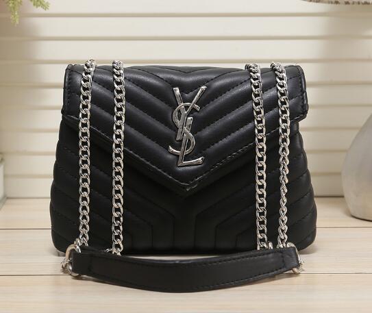 8e7bd24ad2098 Louis Vuitton 2019 yeni çanta kore versiyonu moda nakış perçinler küçük  kare çanta periler geniş kemer