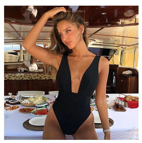 High Cut Swimwear Women Solid Costume intero Swimwear femminile Vita alta Monokini con scollo a V Costume da bagno sexy Costume da bagno Nero Rosso