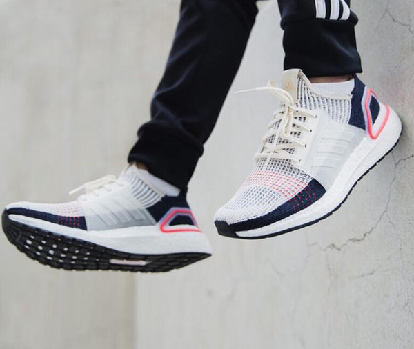 High Quality Ultra Boost 2019 Multicolor Laser Red Oreo Refract Dark Pixel Shoes Men Women UltraBoost 19 UB 5.0 Black White Multi Sneakers Cheap Shoes