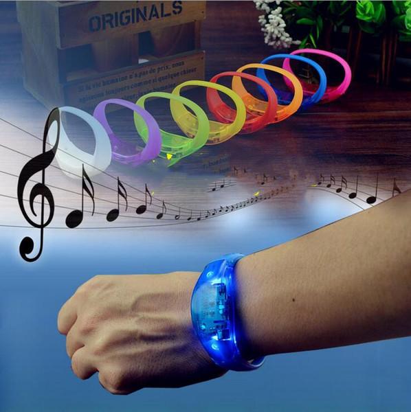 Silikon bilezik LED ses kontrolü bilezik LED ışık bilek kayışı Şeker renk parlaklık Bileklik Bileklik Parti Bar Cheer oyuncak CLS590