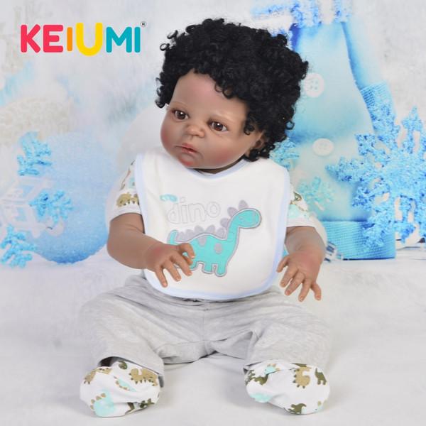 Realistas 23 '' Reborn Black Baby Doll Toys Cuerpo de silicona completo Muñecas étnicas Bebé recién nacido Curvado de pelo Encantador 57 cm Niño Playmates