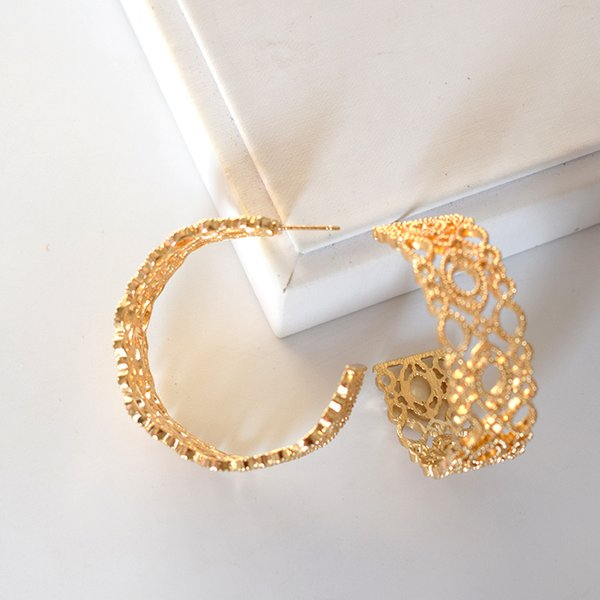 2019 Nuovo design Oro Argento Colore Cerchio Grande Rotondo Orecchini a cerchio cavo Esagerazione Personalità Orecchini larghi per donna Ragazza