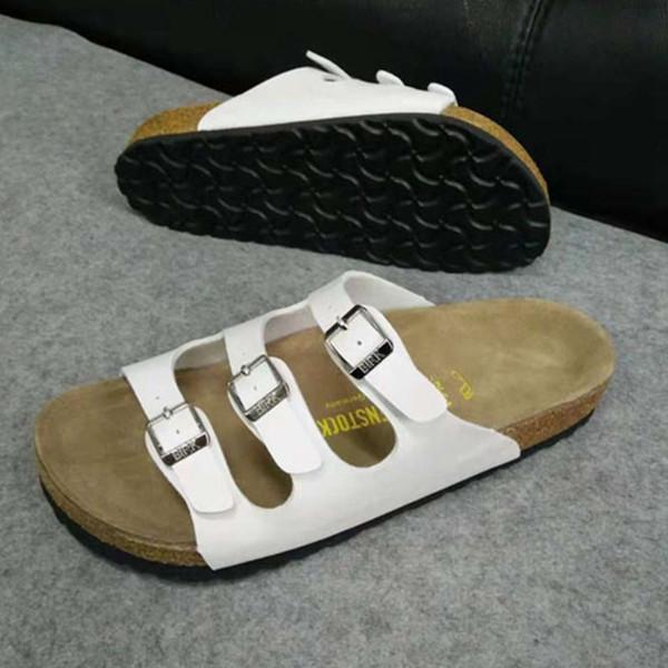 Unisexe pantoufles sabots en cuir PU diapositives pour les vacances de loisirs de temps de plage pour la famille couleur unie sabots à vendre des chaussures sur mesure