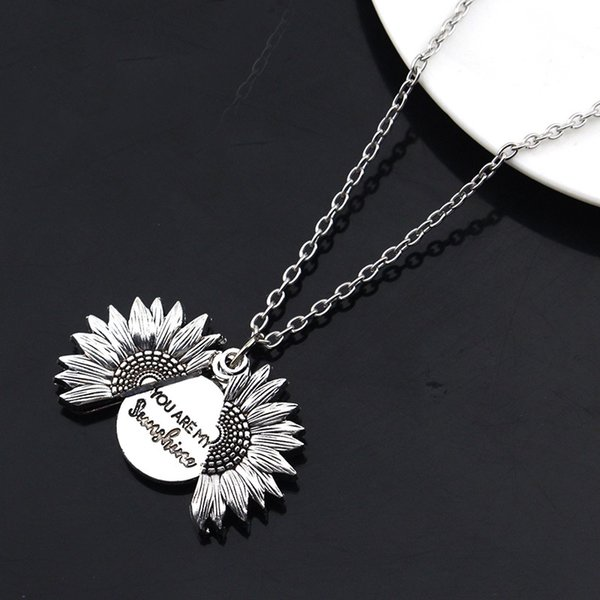 201910 design unique que vous êtes mon collier soleil Gravé tournesol Médaillon Colliers peut ouvrir Pendentif femmes Bijoux de cadeau de Noël M771F