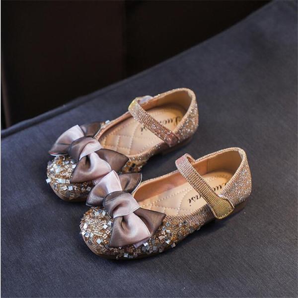 Princesse chaussures chaussures 2019 automne nouvelle mode arc en cuir chaussures filles paillettes semelle antidérapante enfants danse unique