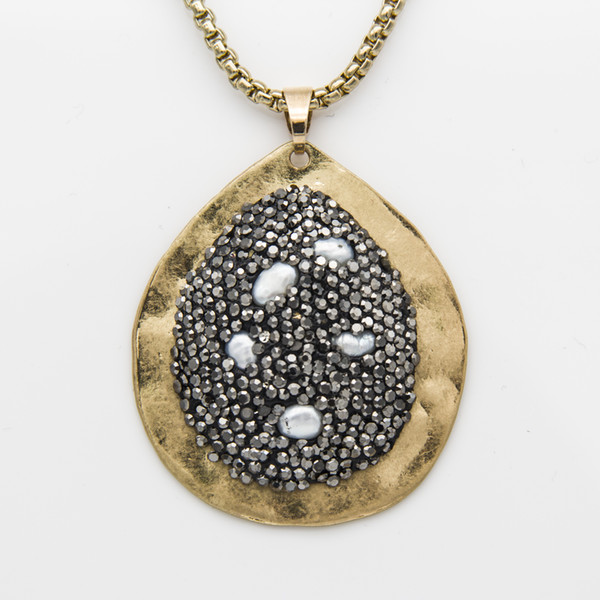 Hammered Alloy Rhinestone Natural Turquoise Pearl Water Drop Clay Pendant Necklace Silver & Gold Color Couture Jewelry for Women Wholesale