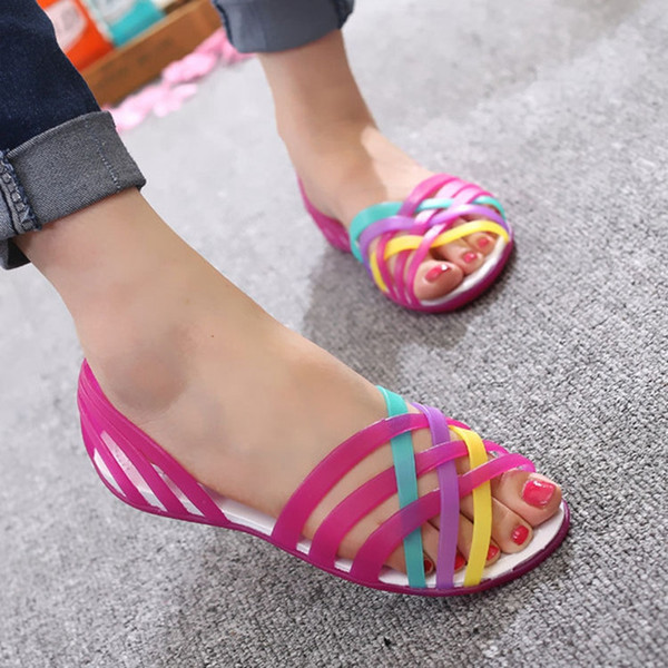 JACKSHIBO Sandali Donna Candy Color Jelly Shoes For Girl Scarpe Piatte Donna Peep Toe Summer Beach Valentine Rainbow Jelly