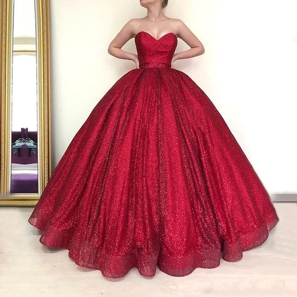 Vestidos de fiesta de quinceañera de Dubai Arab Ball Ball largo rojo 2019 Puffy Ball Dress Sweetheart Glitter Burdeos vestidos de noche robe de soiree