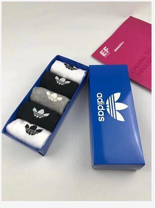Neue Designer beliebte Klee 5 Paare / Box Socken Mode Sport lässig Männer und Frauen bequeme Baumwollstrümpfe für Männer und Frauen