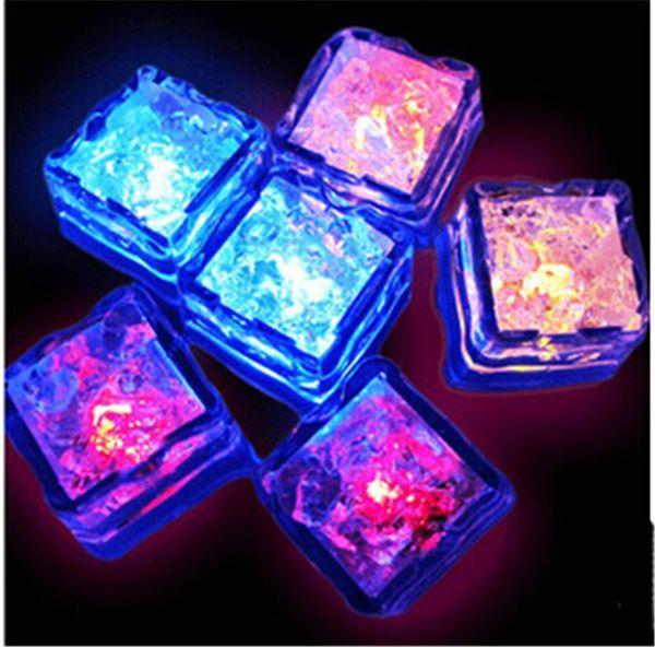LED cubo de hielo luz intermitente luminosos cubos de agua-Actived luces artificiales Aoto colores del cubo de hielo para la fiesta de bodas Bar Accesseries Navidad