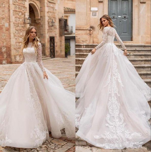 2019 Modest mangas compridas Lace A Line vestidos de casamento de praia Applique de tule trem tribunal vestidos de noiva de casamento com botões robe de mariée