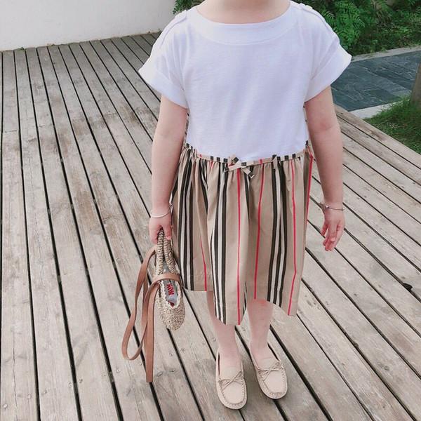Les filles s'habillent Nouvel été Style décontracté doux manches courtes Imprimer Design Col carré pour les vêtements de filles