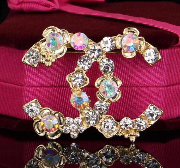 2019 nuove donne di modo di disegno di lusso spille pins placcato oro lettera pins spilla vestito pin abiti per le donne degli uomini per la festa nuziale