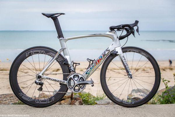 Peter Sagan Copmplete vélo complet cadres de route en carbone VIAS carbone avec 105 roues R7000 Groupset 50mm carbone moyeux Novatec A271 livraison gratuite
