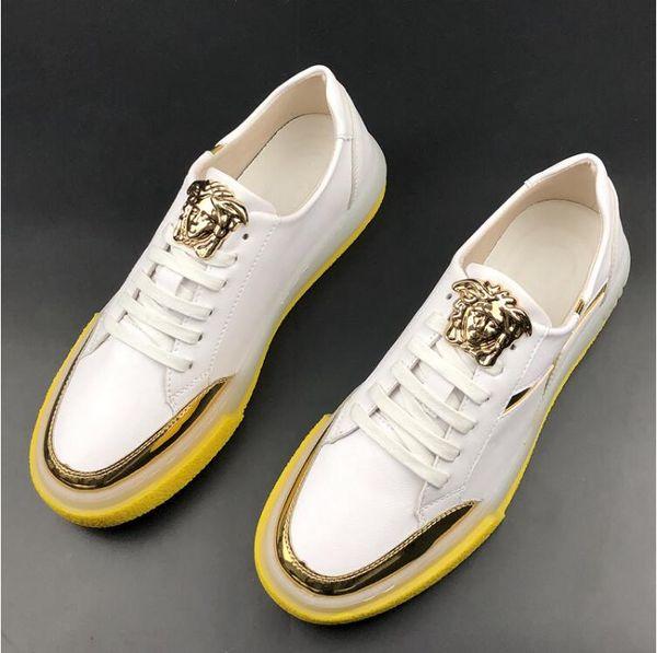 Primavera Uomo Casual Sneakers Design Paillettes Lucido Designer stringate Scarpe uomo stile italiano PU cuoio bianco nero Colore Mens Casual Shoe W327