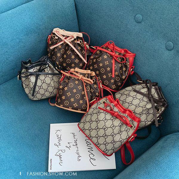Çocuklar Lüks Çanta baskı Tasarımcısı Mini Çanta Omuz Çantaları bebek Genç çocuk Kız PU Messenger altın zincir Çanta Noel hediyesi