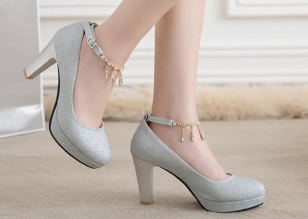 Taladro de agua 2018 Zapatos de mujer en primavera y otoño con nuevo estilo Zapatos de boda de tacón alto Tacón grueso Novia