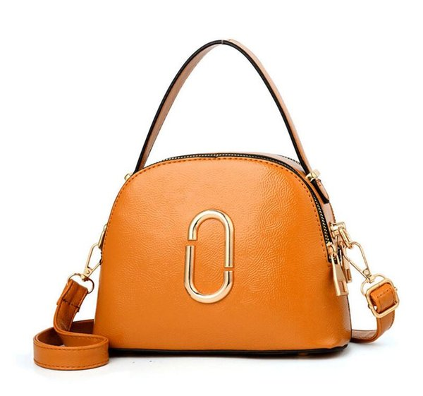 Manufacturer wholesale 2019 new bag female European and American fashion single-shoulder bag pure color female fashion hand crossbody bag ba
