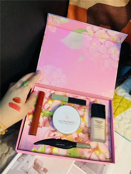 Nueva llegada Famous 5 Brand MAKE UP Kit, Cushion BB, Eyeliner, Lipgloss, Lipstick, Foundation 5 in 1 con alta calidad