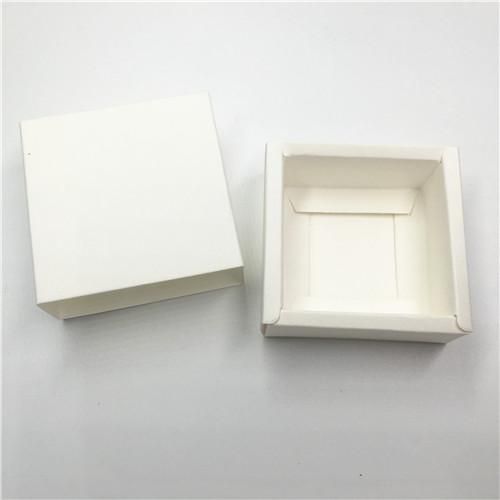 Colore: Bianco