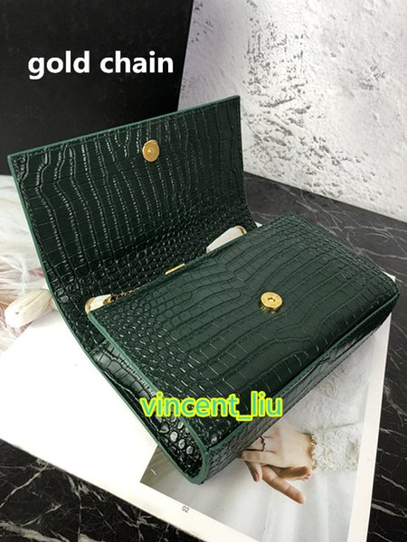 Verde con cadena de oro