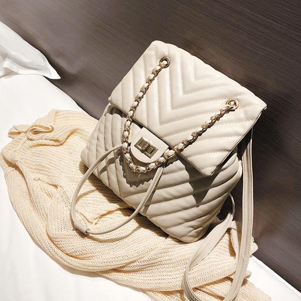 Mode européenne femmes sac à dos 2019 nouvelle haute qualité en cuir souple femmes sac à dos chaîne sac à bandoulière sac à dos sac d'école