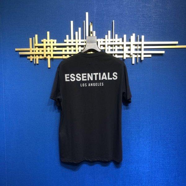 Schwarzes Essentials-T-Stück