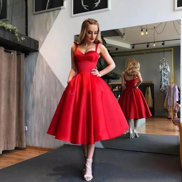 Nouvelle Longueur De Thé Robes De Cocktail Rouge Foncé 2019 Bretelles En Satin De Bal Robe De Soirée Sexy Dos Nu Midi Robes De Soirée