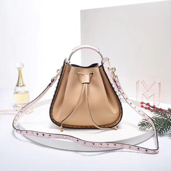 European Classic Luxury Style Damentasche fishone handtasche Lederherstellung Kette Dekorative Eimer Niet dekoration weiches leder partei tasche