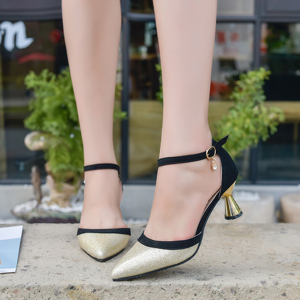 Designer Dress Shoes Women Classical High Heels Pointed Toe Patent Leather Pumps Brand Crystal Pendant Formal High Heels Cheap Wedding