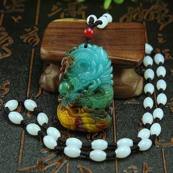 Envío gratis Xinjiang pollo sangre jade dragón colgante y colgante de Tian Yulong oro seda jade dragón collar colgante