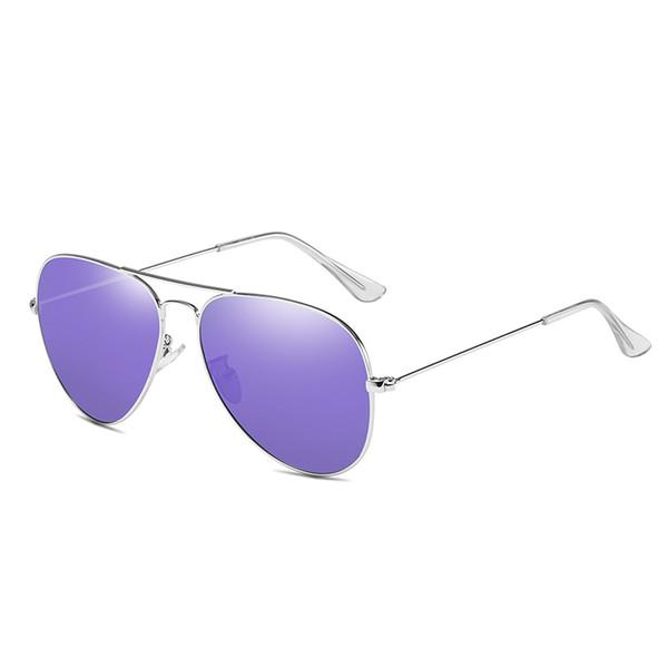 Cadre violet pièce violette