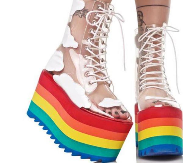2019 nuovo arcobaleno di spessore inferiore di modo trasparente in pelle PVC scarpe da discoteca nightclub torta donne stivali fondo
