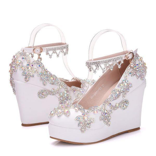 El yapımı Lüks Kristal AB Renk Gelin Ayakkabıları Beyaz Düğün Yüksek Topuklu 11 cm Kama Topuk Parti Balo Ayakkabı Ayak Bileği Sapanlar Pompalar