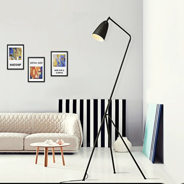 Modernos minimalistas Industrial Lámpara de pie Lámparas de pie para la sala de lectura de iluminación Loft triángulo de hierro Lámpara LED E27