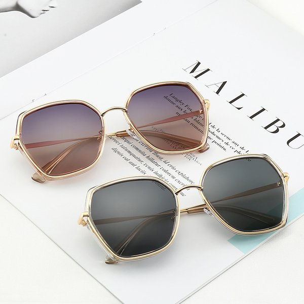 22003 Christian Fashion Trend Sunglasses 58mm Lenses 5 Color Sunglasses Hombres Mujeres Estilo caliente Trend Trend Sunglasses Casual con caja