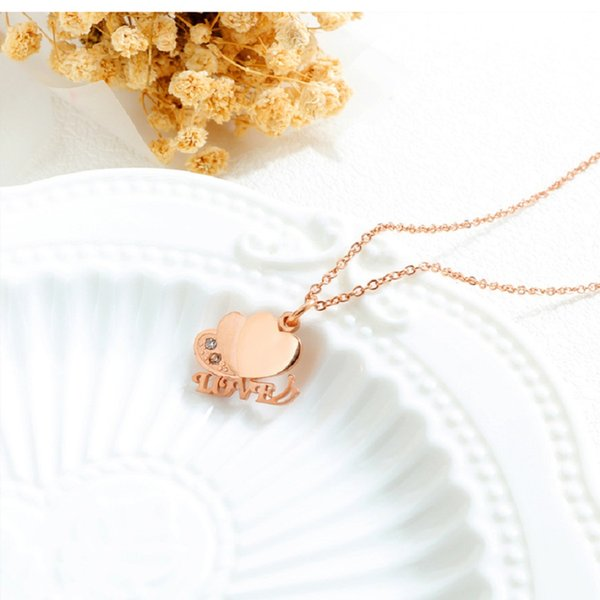 Fashion Women Charm Heart Chokers Necklaces Gold Silver Color Chains Jewellery Crystal Rhinestone Design Love Pendant Necklaces for Women