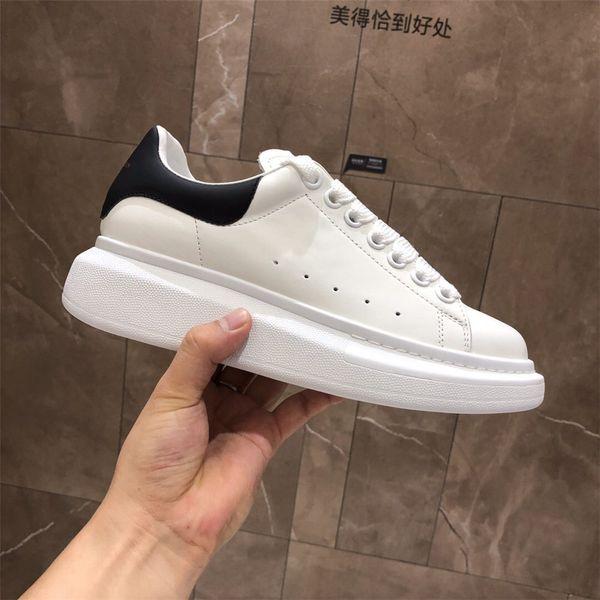 Alexander McQueens Siyah Rahat Ayakkabı Lace Up Tasarımcı designer shoes Konfor Pretty Kız Kadın Sneakers Casual Deri Ayakkabı Erkekler Bayan Sneakers Son Derece Dayanıklı Istikrar