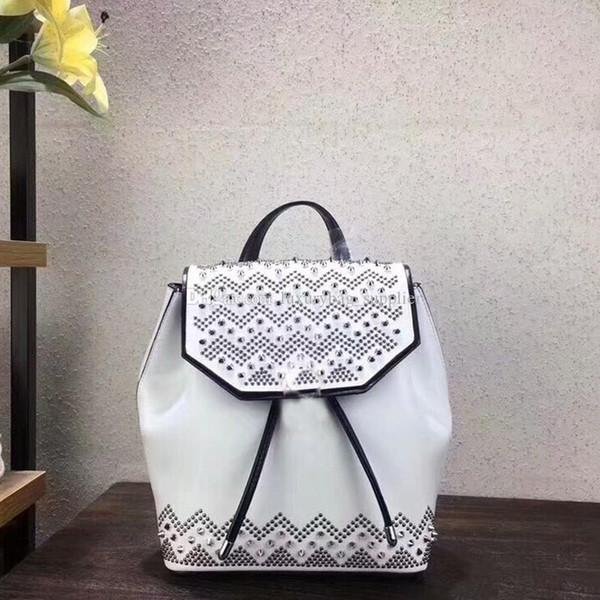Designer Rucksack Luxus Handtaschen Geldbörsen Mode hochwertige Niet Fischgrätenmuster schwarz Messing Schlangenkopf glatt Rindsleder Rucksack